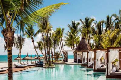 Der Pool des One & Only Resorts in Saint Geran auf Mauritius.